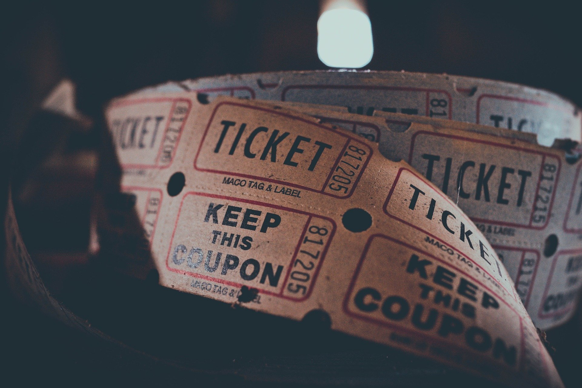 5 Tips for Beginners to Book the Perfect Tickets Online