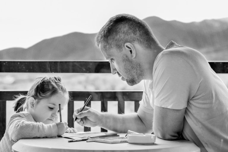 5 Simple Tips for Minimalist Parenting